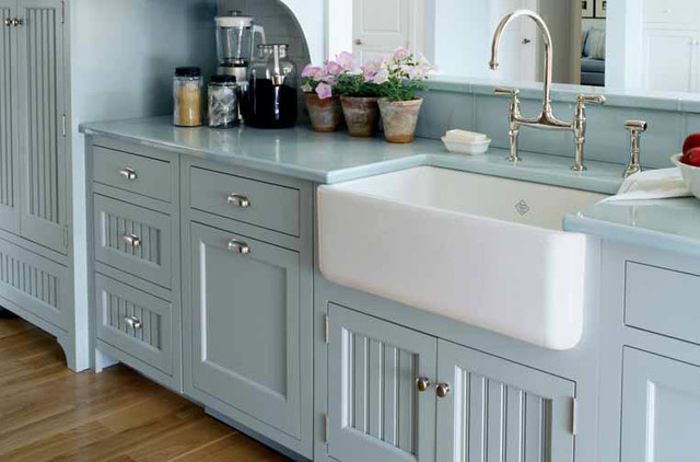 The Perfect Farmhouse Kitchen Sink
