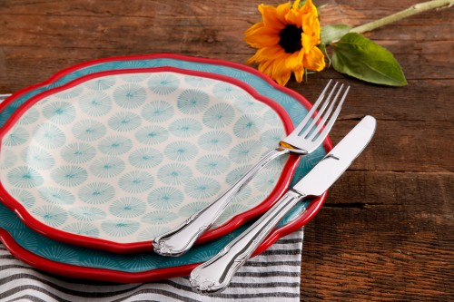 The Pioneer Woman Dinnerware